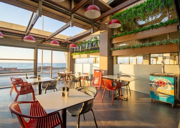 kuzina's-sitting-tables-sea-view